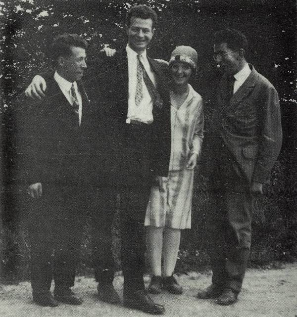 Linus and Ava Helen Pauling in Munich, with Walter Heitler (left) and Fritz London (right)