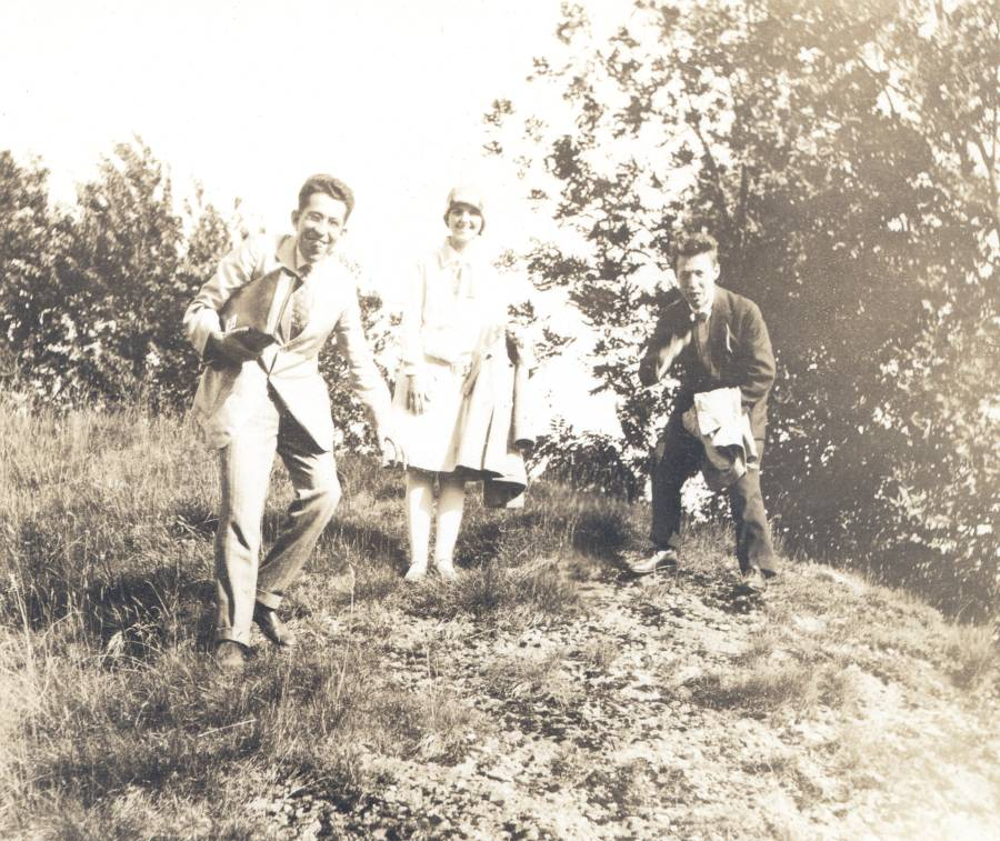 Walter Heitler, Fritz London, and Ava Helen Pauling in Europe.