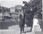 Linus Pauling in Germany.