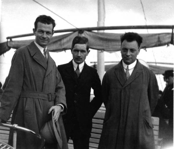 Linus Pauling, Werner Kuhn, and Wolfgang Pauli traveling by boat in Europe.