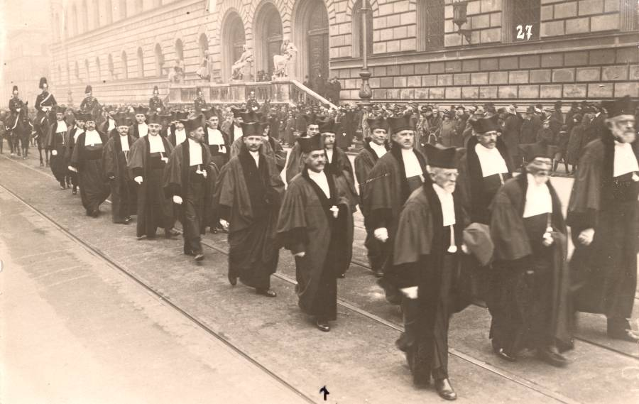 An academic procession at the University of Munich.