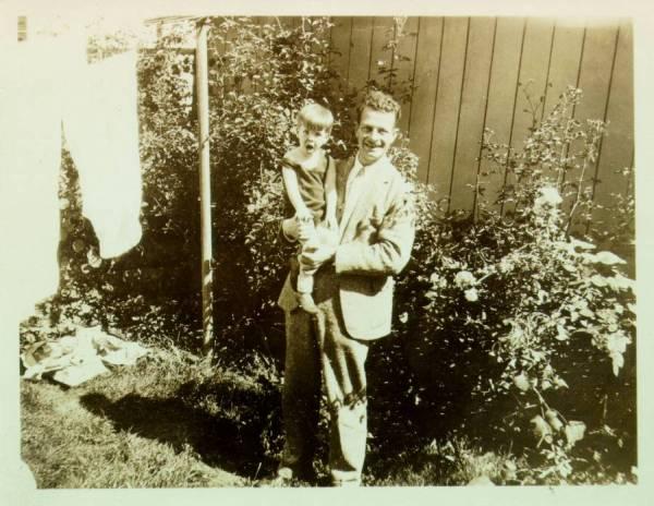 Linus Pauling holding Linus Pauling, Jr., Europe.