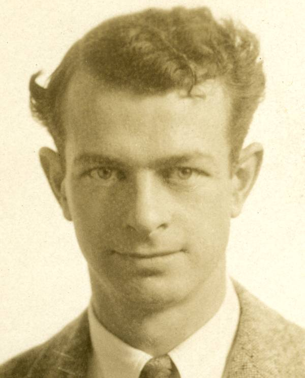Studio portrait of Linus Pauling.