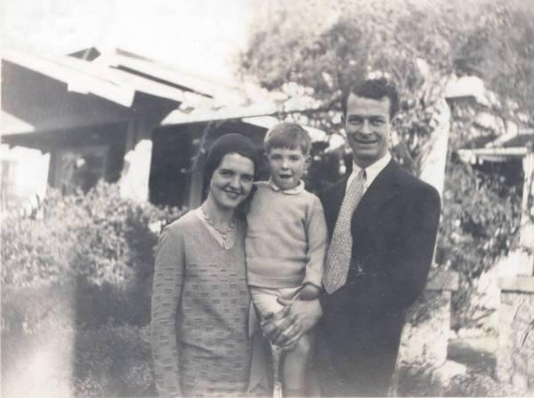 Ava Helen Pauling, Linus Pauling, Jr. and Linus Pauling, Pasadena, California.
