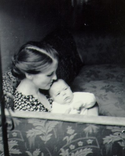 Ava Helen Pauling holding an infant Peter Pauling.Picture. 1931