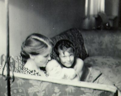 Ava Helen, Peter, and Linus Pauling Jr.Picture. 1931