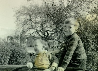 Peter and Linus Pauling, Jr.Picture. 1931