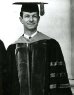 Linus Pauling posing at the Oregon State College commencement ceremonies.