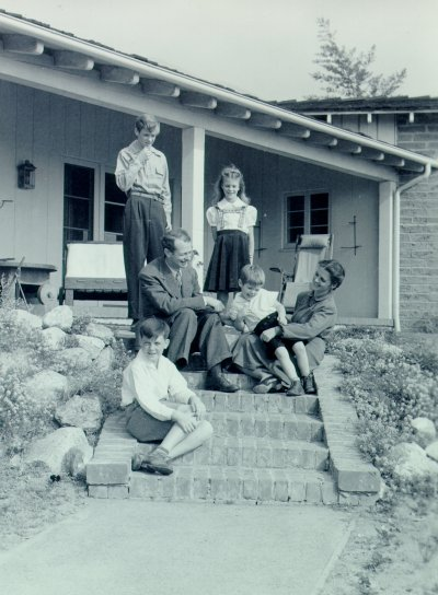 The Pauling family. Picture. 1941