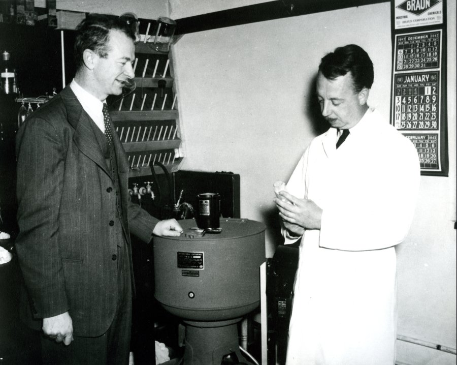 Linus Pauling and Dan Campbell in the laboratory, California Institute of Technology.