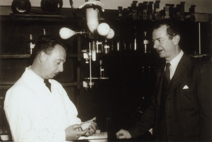 Dan Campbell and Linus Pauling in a Caltech laboratory.