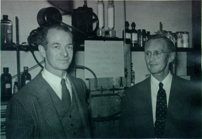 Linus Pauling and Arthur Hill. Picture. 1947