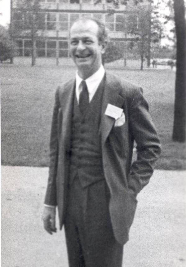 Linus Pauling. Picture.