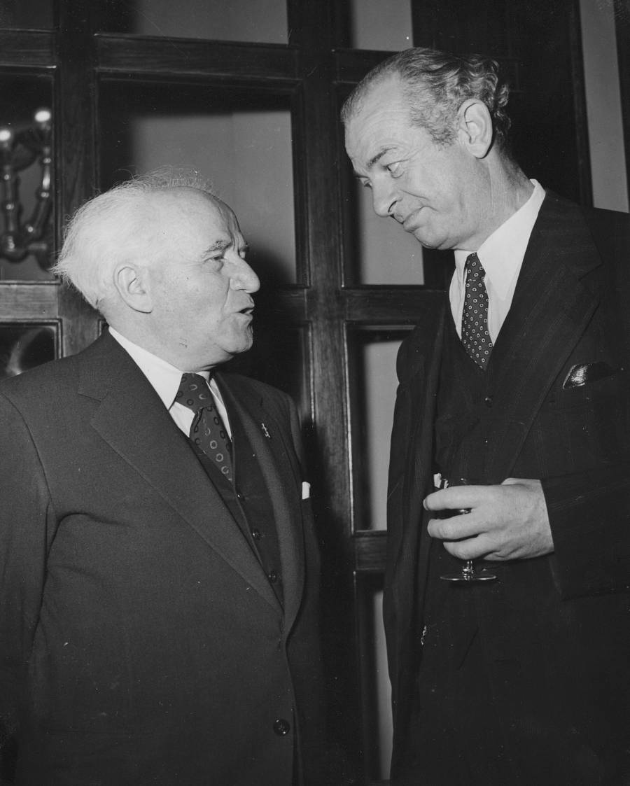 David Ben-Gurion and Linus Pauling at the King David Hotel, Jerusalem, Israel.