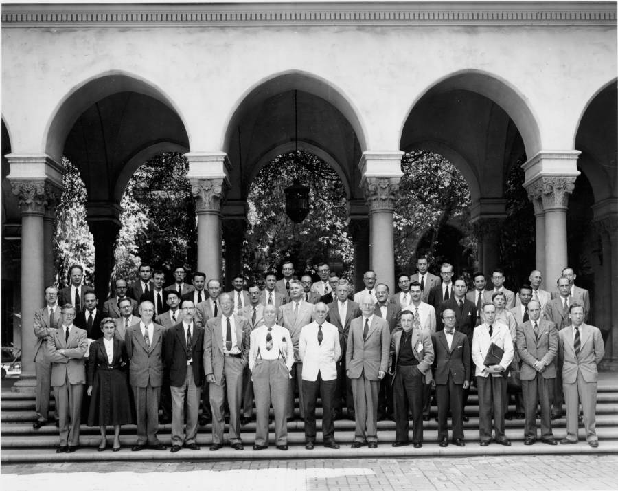 Group photo of participants in the Pasadena Conference on the Structure of Proteins.