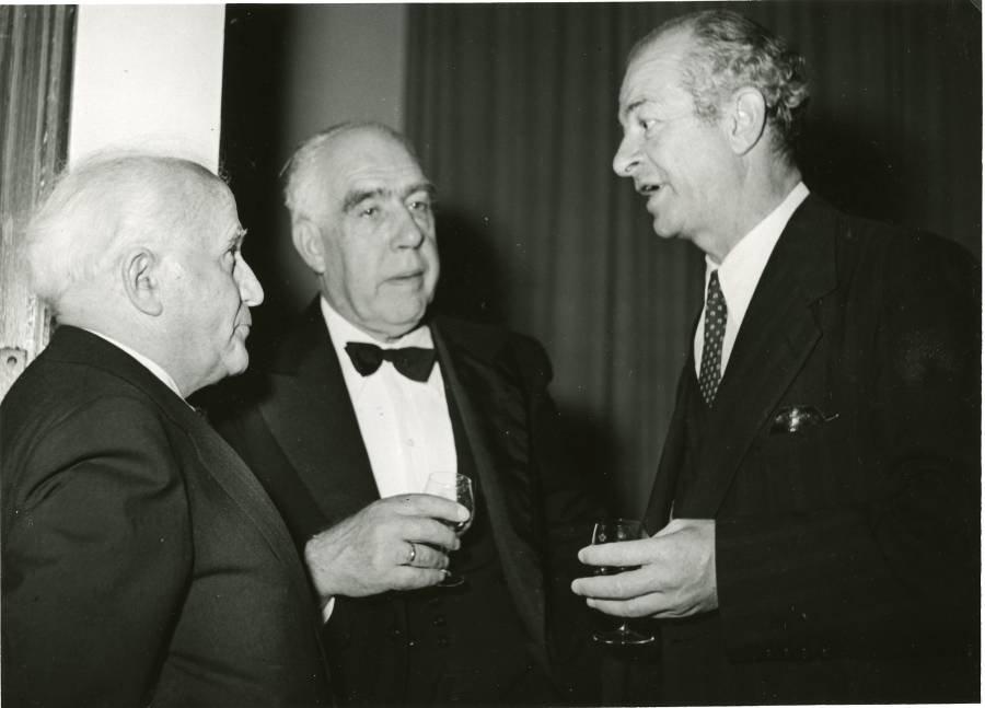 David Ben-Gurion, Niels Bohr and Linus Pauling at the King David Hotel, Jerusalem, Israel.