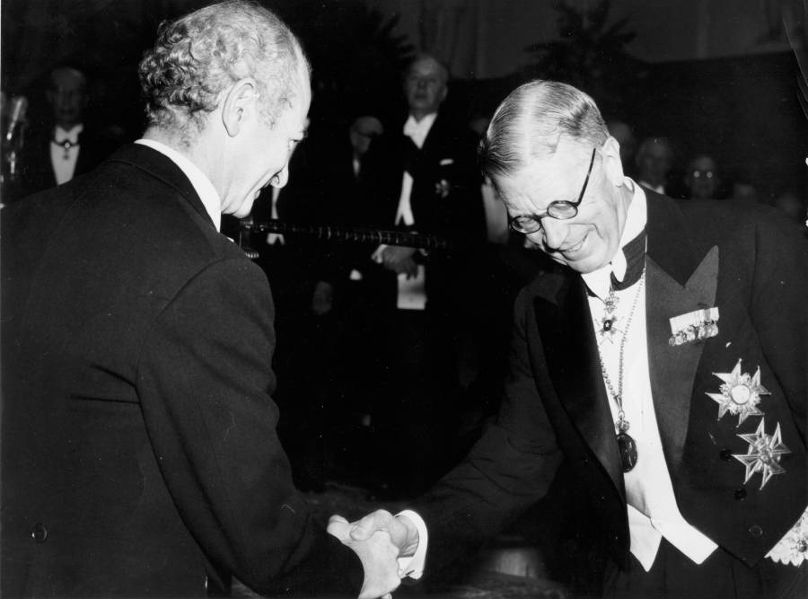 Linus Pauling and King Gustav VI, Nobel Prize ceremonies, Stockholm, Sweden.