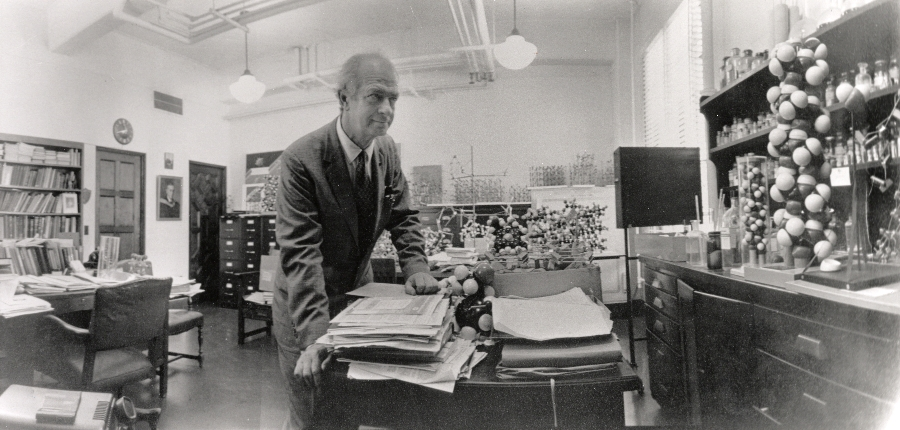 Panorama of Linus Pauling in his Caltech laboratory.