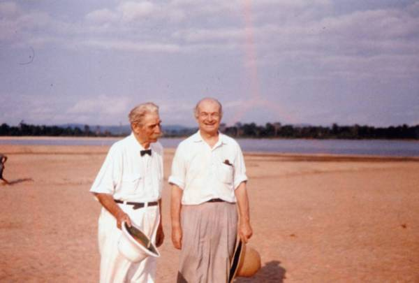 Albert Schweitzer and Linus Pauling at the Schweitzer compound, Lambéréne, Gabon. Picture. 1959