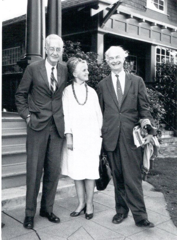 Linus and Ava Helen Pauling standing with Clifford Durr.Picture. 1963