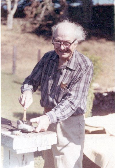 Linus Pauling harvesting abalone. Picture. 1963