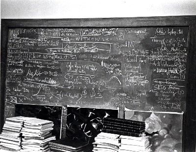 Chalkboard belonging to Linus Pauling. Picture. 1963