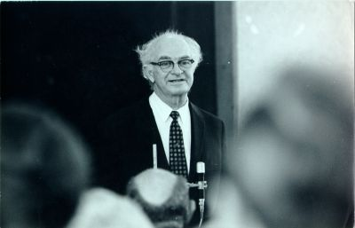 Linus Pauling in lecture at the Second International Congress of Social Psychiatry.Picture. August 1969