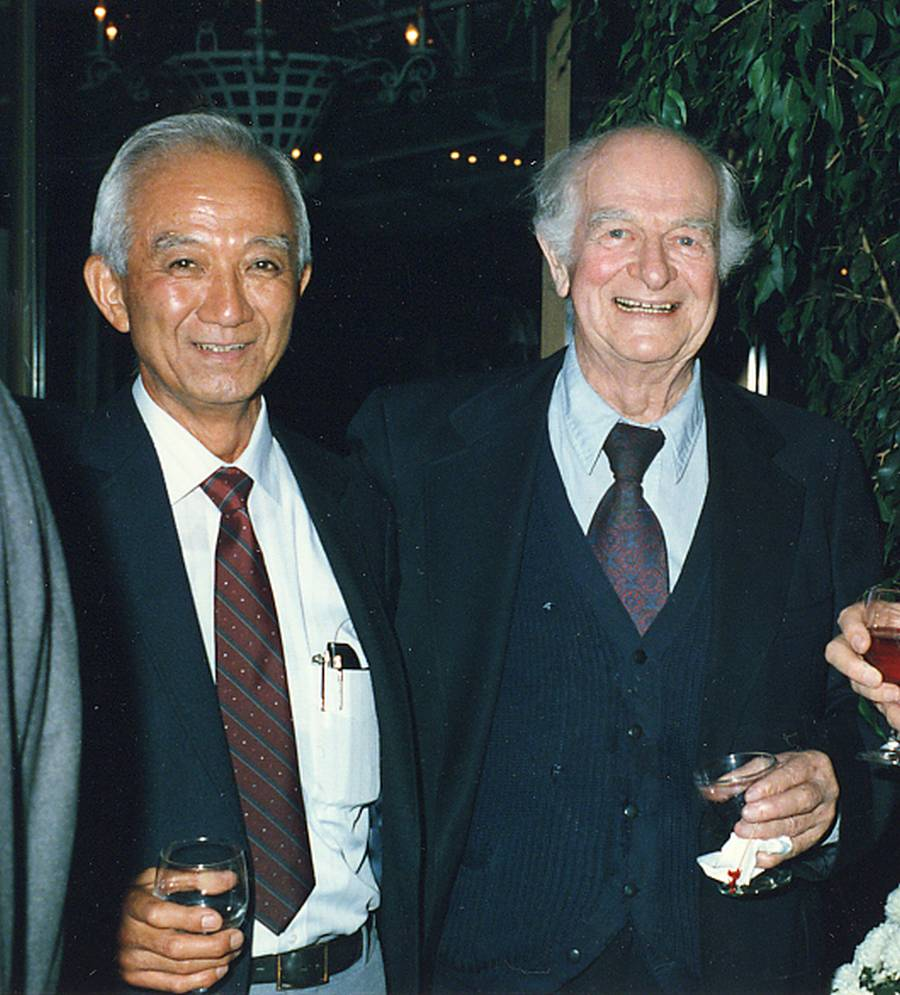 Harvey Itano and Linus Pauling.