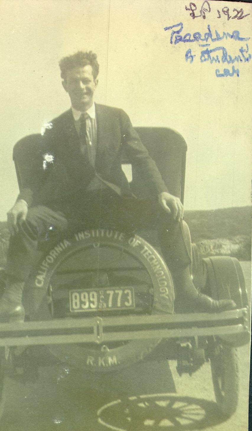 Linus Pauling as a Graduate and Postdoctoral Student at the