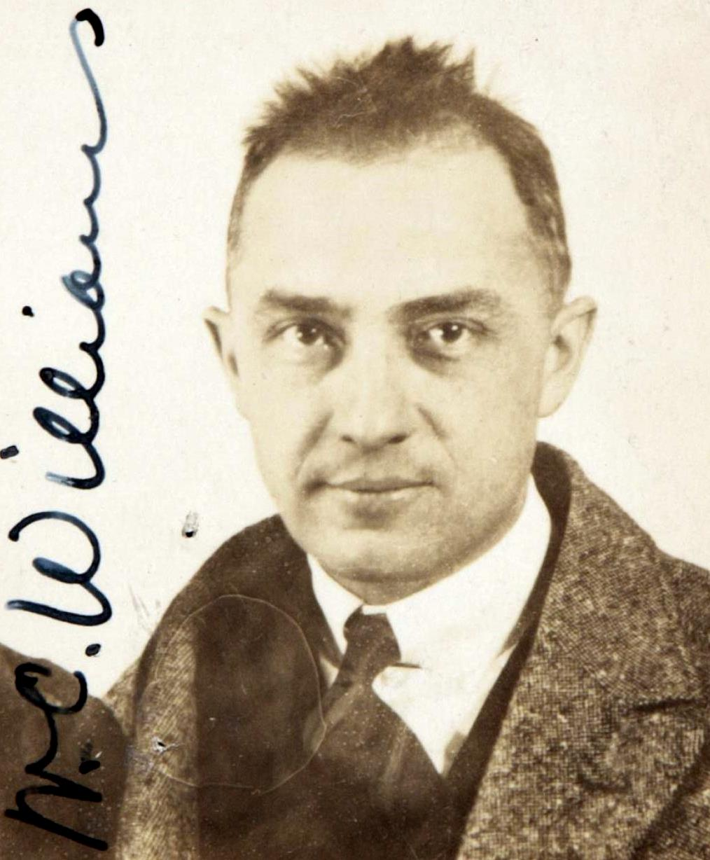 the dichotomy of america in the poetry of william carlos williams View: william carlos williams poems william carlos williams was born in rutherford, new jersey, in 1883 he began writing poetry while a student at horace mann high school, at which time he made the decision to become both a writer and a doctor.