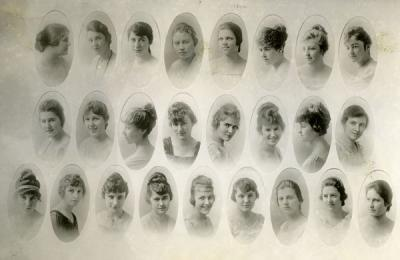 Composite group photo of Alpha Chi Omega sorority members, 1918.