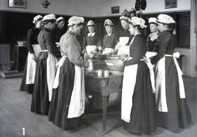 Food preparation class, ca. 1890s.