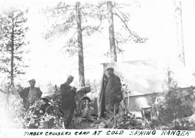 Timber cruisers at Cold Spring Ranger Station, 1917.