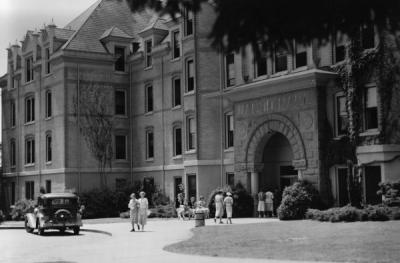 Women in front of Waldo Hall during 4-H Summer school, ca. 1936.