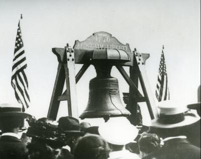 <p>Image of the Liberty Bell taken during the summer school session at OAC, 1915. The Liberty Bell was being shipped from Philadelphia to San Francisco for exhibition in the Panama-Pacific Exposition and was placed on display</p><p>				in Junction City, Oregon on the way to California.</p>