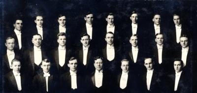 "Photo labeled ""Songbirds 1914."""
