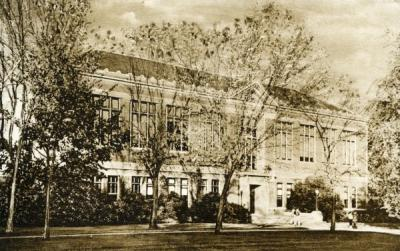 Kidder Hall, ca 1920s. Kidder Hall was, at one time, the Oregon State College Library.