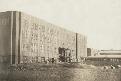 Construction of the temporary war barracks, 1918.