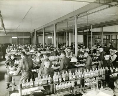 Students in the chemistry laboratory, ca. 1914.
