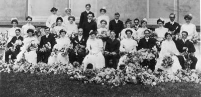 Class group photo, ca. early 1900s.