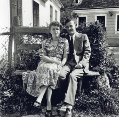 Erna and Karl Kordesch, about one year after their marriage, ca. 1947.