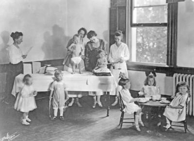 Child nutrition clinic, 1919.