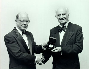Linus Pauling receiving the Joseph Priestley Medal, the highest honor conferred by the American Chemical Society. 1984.