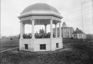 "The Oregon Agricultural College cadet band in the ""new bandstand,"" 1912."