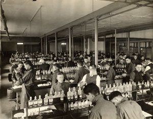 Chemistry lab students in what is today known as Furman Hall, 1916.