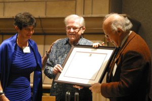 Dr. Roald Hoffmann receiving the 2012 Pauling Legacy Award from OSU Libraries and Press Director Faye Chadwell and Linus Pauling, Jr.