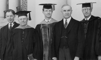 Linus Pauling at Oregon State College receiving an honorary doctorate from his alma mater