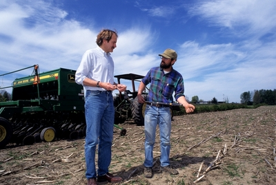 Discussing soil issues