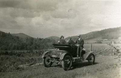 Les Powell's Car by Sulphur Springs, 1915