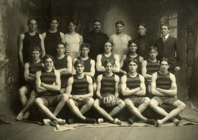 Basketball Team, 1904